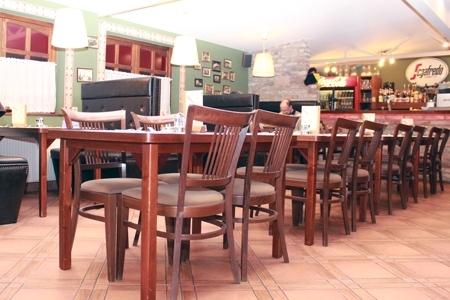 Vakvarjú Vendéglő, Buda - A kényelmet az Impala Bútorkereskedő Kft. székei biztosítják