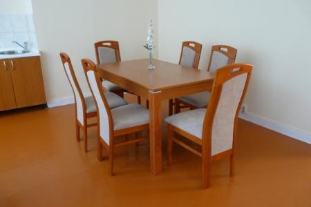 Óbudai Idősek Otthona, Budapest, Őszike utca - stílusos étkező székek