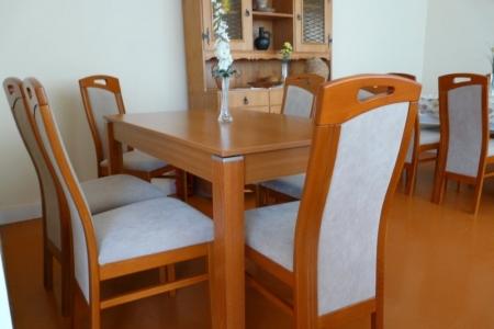 Óbudai Idősek Otthona, Budapest, Őszike utca - fa ebédlő asztal