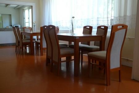 Óbudai Idősek Otthona, Budapest, Őszike utca - elegáns, modern étkezőgarnitúra