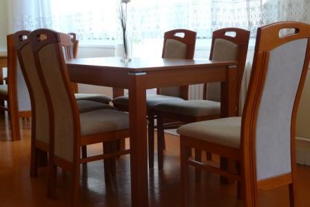 Óbudai Idősek Otthona, Budapest, Őszike utca - kényelmes étkező bútorok