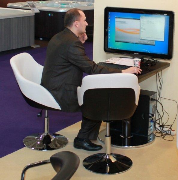 Construma 2013 - Az ARCHLINE standon az Impala Bútorkereskedő Kft. székeit próbálhatták ki a látogatók