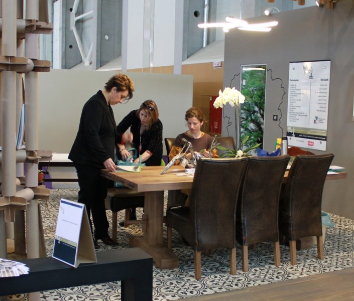 Construma 2013 - Construma 2013 - A LOSZ standján az Impala Bútorkereskedő Kft. székei biztosították a kényelmet