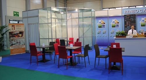 Construma 2014 - Impala Bútorkereskedő Kft. mindenki számára biztosította a kényelmet a székeivel és az asztalaival