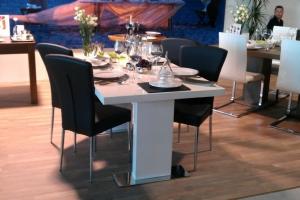 Design+ Kiállítás - Az Impala Bútorkereskedő Kft. a Design+ Kiállítás standján még az asztalokat is szépen megterítette