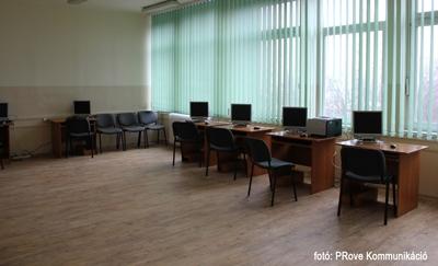 Átadták a XIII. kerületi Prevenciós Központot - Számítógépterem