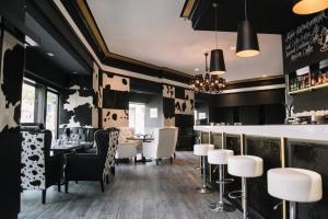 La Pampa Argentin Steakhouse - Nagy terem és Székkirály bárszékek