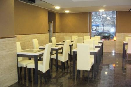 Like étterem, Budapest - elegáns ITALA székek