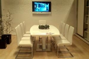 LOSZ iroda - Az Impala Bútorkereskedő Kft. szánkótalpas székei magafényű asztallal