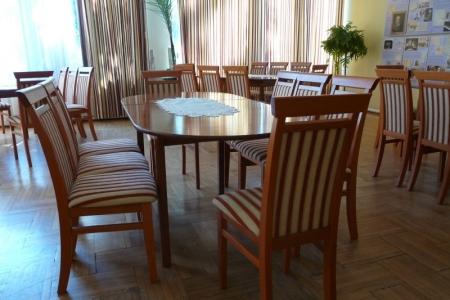 Óbudai Idősek Otthona, Budapest, Kiskorona utca - minőségi étkezőasztal