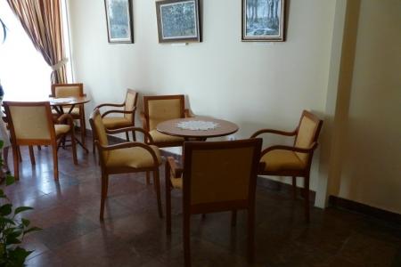 Óbudai Idősek Otthona, Budapest, Kiskorona utca - favázas karszékek