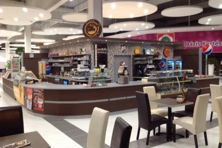 Park Caffe, Székesfehérvár - Az Impala Bútorkereskedő Kft. székei nagy térben is jól mutatnak