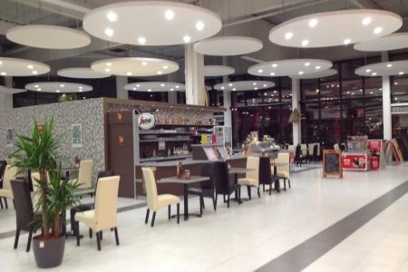 Park Caffe, Székesfehérvár - Impala Bútorkereskedő Kft. kárpitozott székei és a Park Caffe üzlete