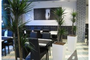River Restaurant, Budapest - ITALA étkezőasztalok