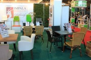Sirha Kiállítás, 2014 - Az Impala Bútorkereskedő Kft. standja, mintha csak a kertben lenne