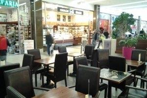 Szamos Marcipán – KÖKI Terminál - Impala kis asztalok