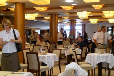 Wellamarin Hotel - kényelmes éttermi székek