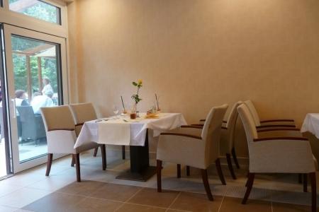 Wellamarin Hotel - dizájnos étkező székek