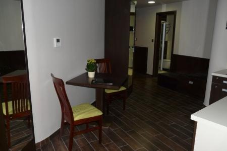 Wellamarin Hotel - zöld kárpitozott szék