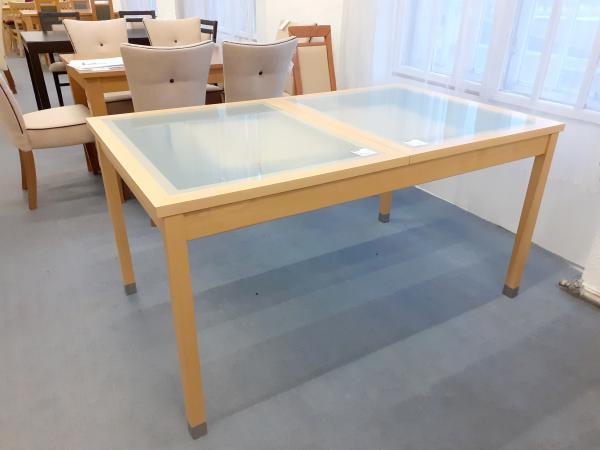 Cs 421 272 nagyobbitható  asztal