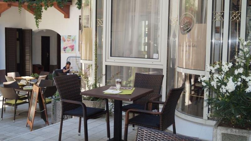 Impala székek és asztalok