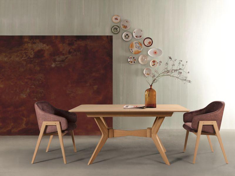 Ares étkezőasztal minőségi, masszív bükk fából készül és nagyobbítható asztallappal van ellátva.